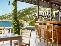 Yoga im Daios Cove Luxury Resort